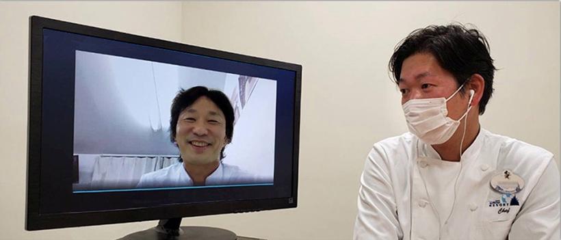 青木さんと五十嵐さんがリモートで通話している画像