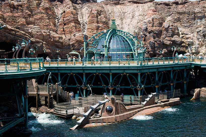 潜水艦ノーチラス号の外観画像