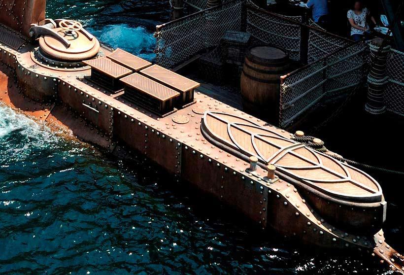 潜水艦ノーチラス号を上から見た画像