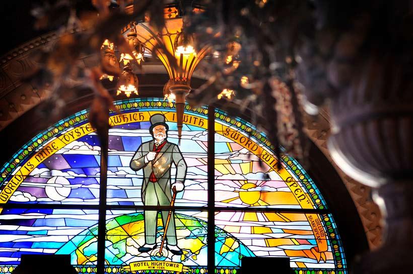 ハイタワー三世のステンドグラスの画像