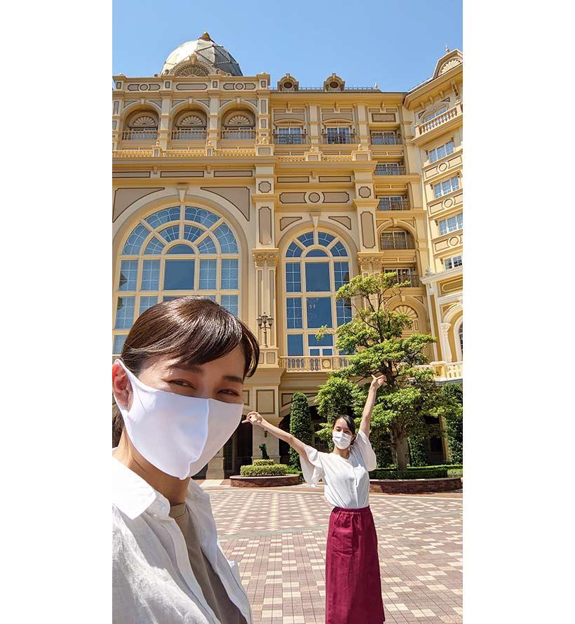 東京ディズニーランドホテルを背景に撮影した風景