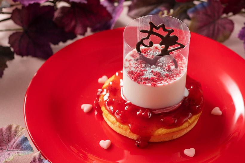 パンケーキ、ラズベリームース&ヨーグルトクリームの画像