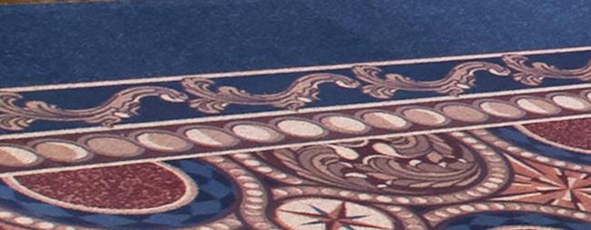 月の満ち欠けがデザインされているカーペット部分