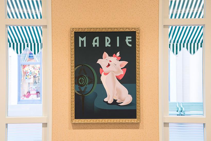 店内に飾られているマリーの絵の画像