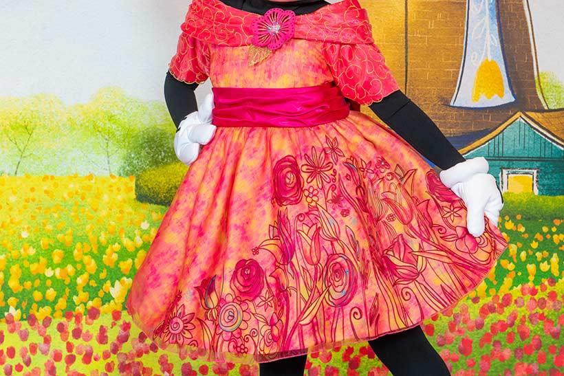 花柄のワンピースドレスの画像