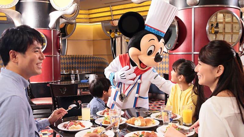お子様も喜ぶ!ホテルでもパークでもディズニーの仲間たちと会える 2DAYSのイメージ