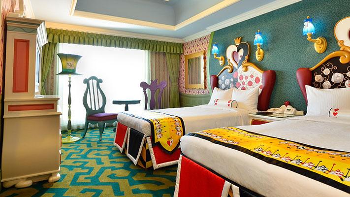 迪士尼爱丽丝梦游仙境客房的图像