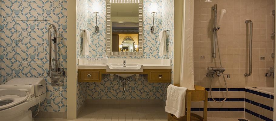 デラックスルーム(ユニバーサル)の洗面所・トイレ・バスルーム