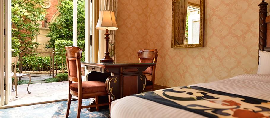 宫殿中庭客房的图像3