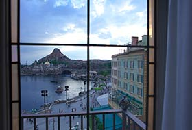 image of https://media1.tokyodisneyresort.jp/images/adventure/dh_room/795_roomfree__image_1_1_en.jpg?mod=202010151821342