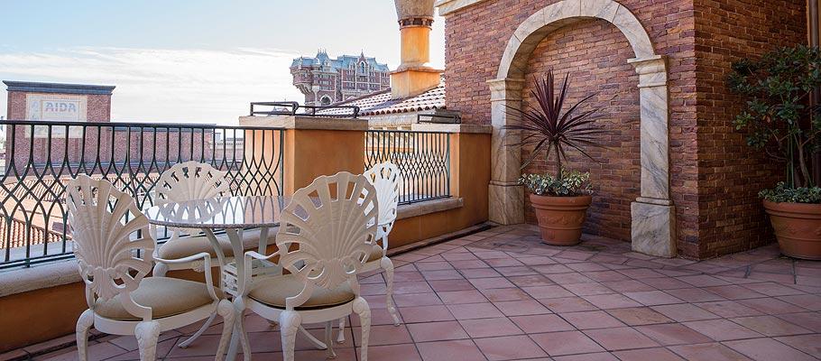 顶楼阳台客房的图像3