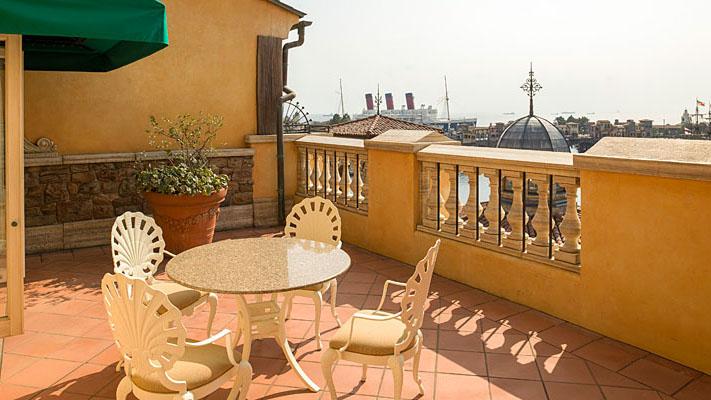 顶楼阳台客房(广场景观)的图像