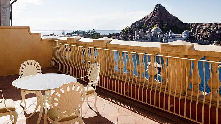 顶楼阳台客房(港湾景观)的图像