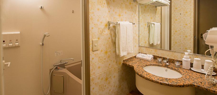探索楼:三床客房的图像3
