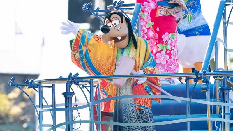 东京迪士尼度假区新年特别节目的图像