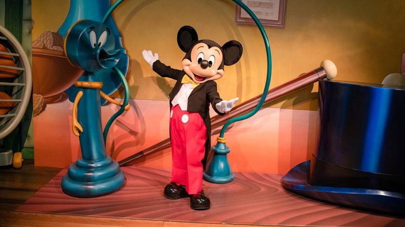 gambar Mickey's House and Meet Mickey