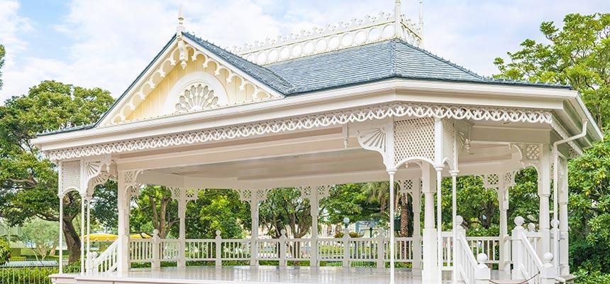 广场楼阁舞台前(迪士尼明星迎宾会)的图像1