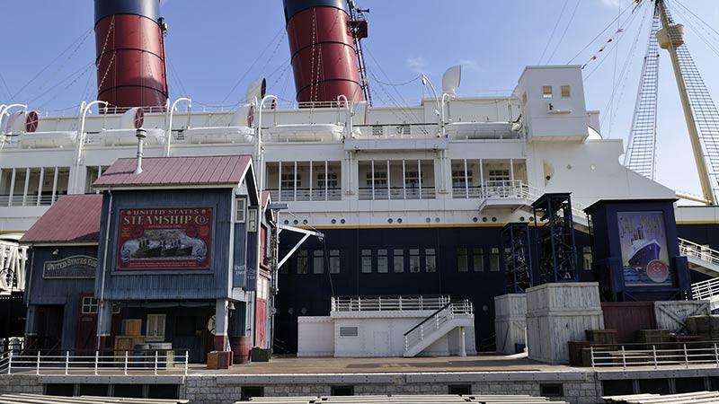 船坞边舞台(迪士尼明星迎宾会)的图像