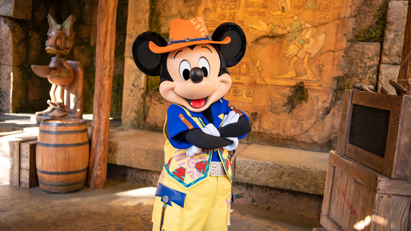 gambar Mickey & Friends' Greeting Trails (Mickey Mouse)