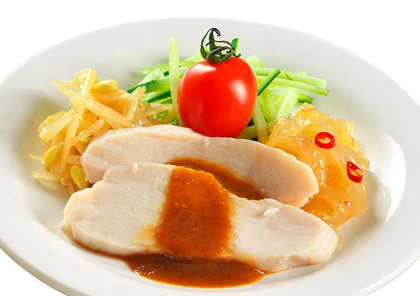 蒸し鶏とクラゲのサラダのイメージ1
