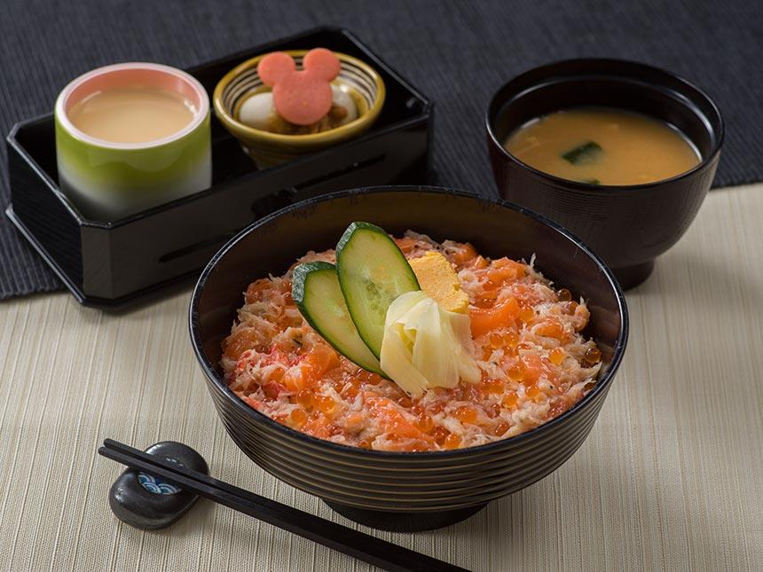 蟹とサーモンとイクラのちらし丼のイメージ1
