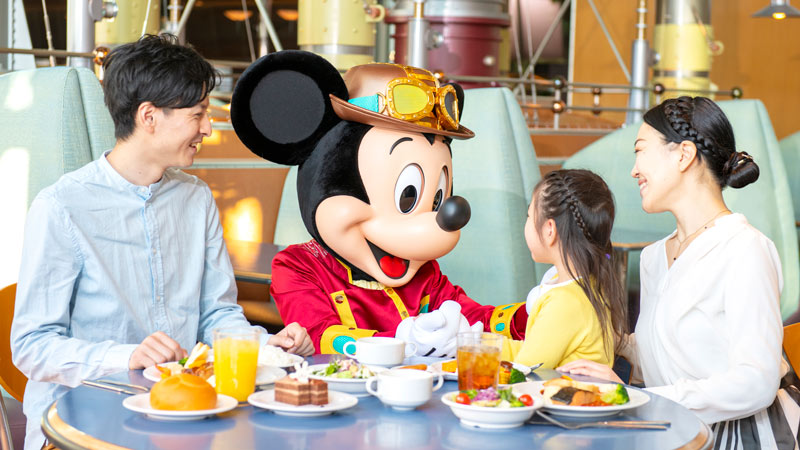 gambar Horizon Bay Restaurant Makan Bersama Tokoh Disney