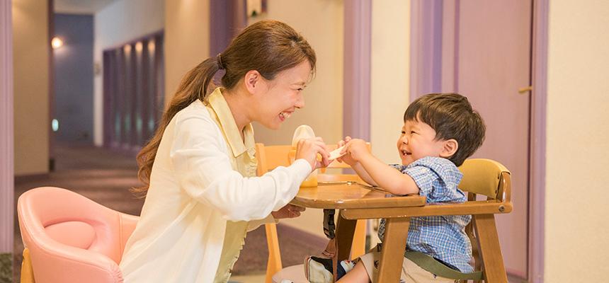 image of Baby Center / Nursing Mother's Lounge3