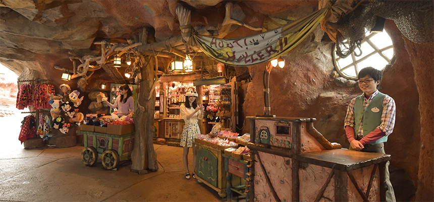 image of Hoot & Holler Hideout1
