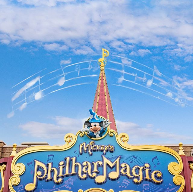 image of Music start!風に乗って聞こえてくるかな♪#mickeysphilharmagic #fantasyland #tokyodisneyland...