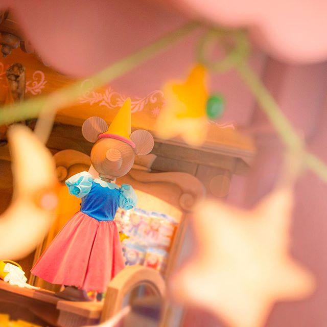 image of Like this style?小さなお姫さまにぴったり♡#bravelittletailorshoppe #fantasyland #tokyodisneyland...