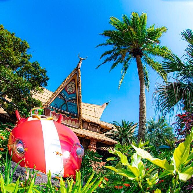 Aloha E Komo Mai 青空がぴったりな場所! #theenchantedtikiroom #adventureland #tokyodisneyland...のイメージ