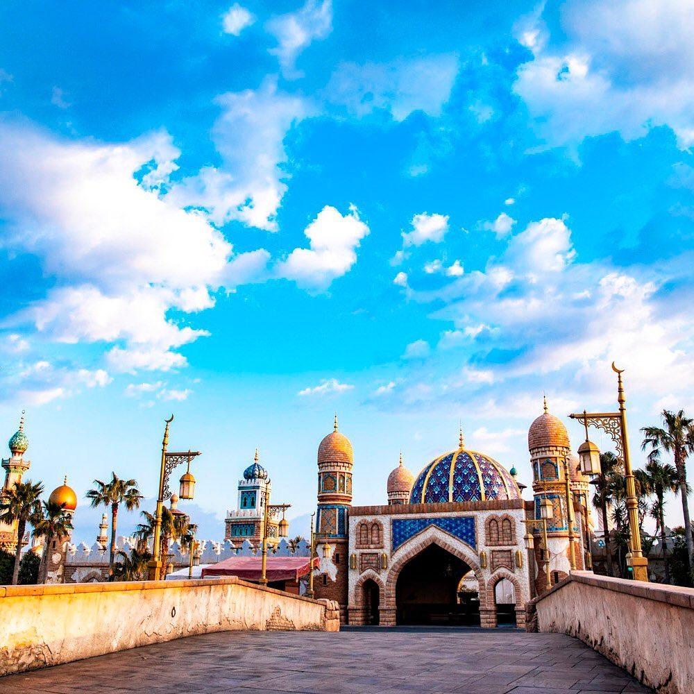 Adventure awaits beyond the bridge. 神秘の世界へ #arabiancoast #tokyodisneysea...のイメージ