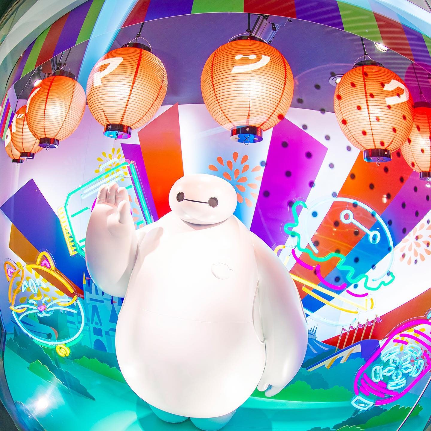 Let's have fun with Baymax! ハピネスレベルが最高潮に✨ #happyfairwithbaymax #baymax #mochi...のイメージ