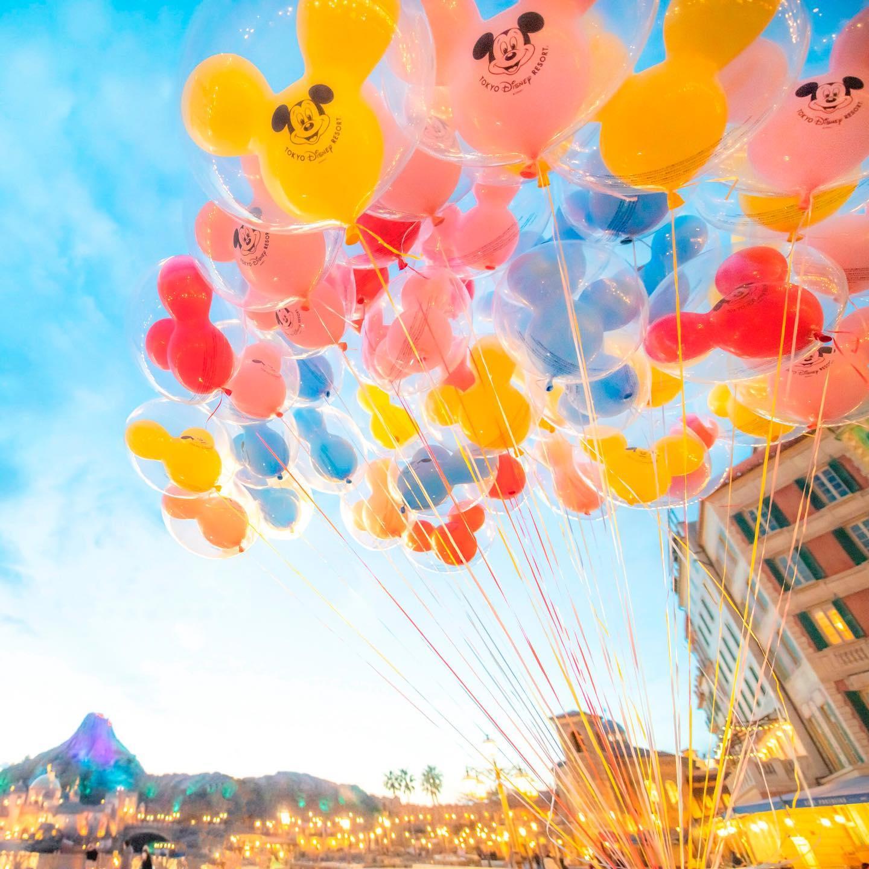 A colorful day with happy balloons! 夢を乗せて #ballon #mediterraneanharbor #tokyodisneysea...のイメージ