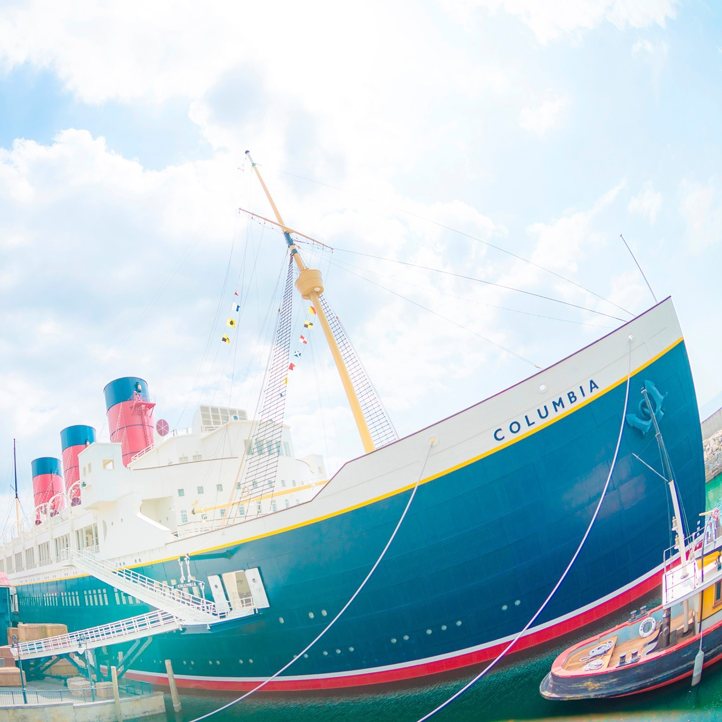 Ready for a day at SEA? 今日は #海の日  #sscolumbia #americanwaterfront #tokyodisneysea...のイメージ