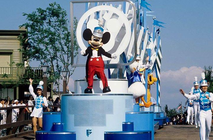4月15日(日)から新しいお昼のパレード「ドリーミング・アップ!」がスタート♪直前の今回は、東京ディズニーランド開園当初からのパレードを振り返ってみます!...のイメージ