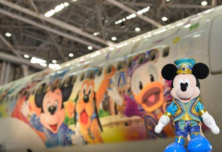 【今日、お披露目!】東京ディズニーリゾートが35周年を迎えたことを記念して、今日6月22日から特別塗装機「JALセレブレーションエクスプレス」が国内線に就航します!今日の初便...のイメージ
