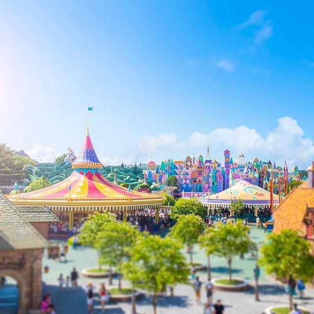It's like a toy!まるでおもちゃの世界☆#fantasyland #tokyodisneyland #tokyodisneyresort #miniature...のイメージ