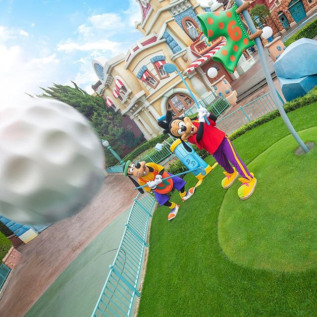 image of Long shot!?ホールインワン!?#sportsday #goofy #max #toontown #tokyodisneyland...