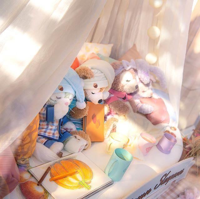Taking a nap…すやすや・・・#mcducksdepartmentstore #americanwaterfront #tokyodisneysea... 이미지
