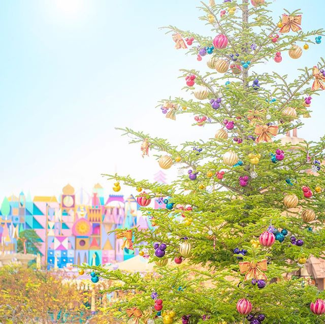 image of The Christmas tree comes to Fantasyland!ワクワクするのはクリスマスだから?#disneychristmas...