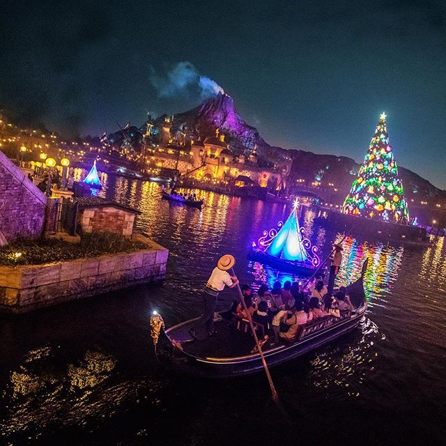 ภาพ Sparkling Christmas光の世界に迷いこんじゃいそう✨#disneychristmas #mediterraneanharbor #tokyodisneysea...