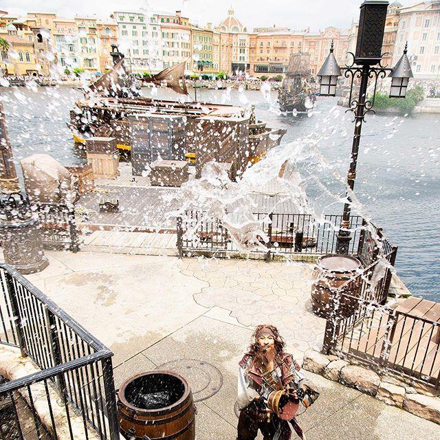 ภาพ Get wet!パイレーツから涼しさをお届け✨#disneypiratessummer #piratessummerbattlegetwet...