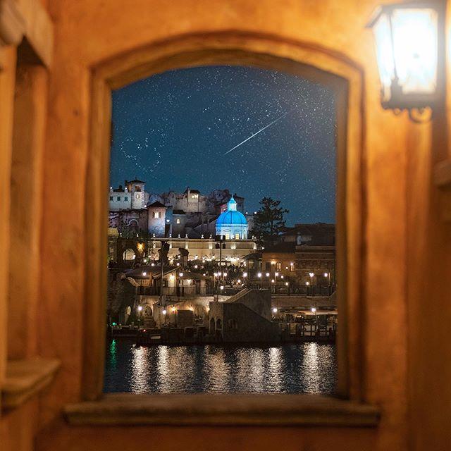 image of Sparkling night.星降る夜を眺めて…#soaringfantasticflight #pontevecchio #mediterraneanharbor...