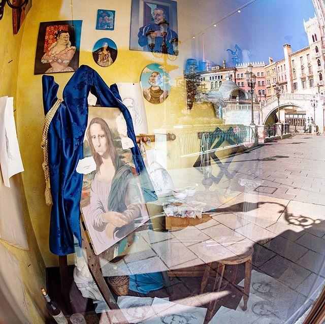 Inner reflections.重なる2つの世界✨#palazzocanals  #mediterraneanharbor #tokyodisneysea...のイメージ