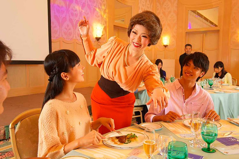 8月6日(月)、ディズニーアンバサダーホテルでテーブルマナーを学んでみませんか。ディズニーのエッセンスを交えながら楽しく学べるプログラムです。お子様のコース料理デビューに、テ...のイメージ