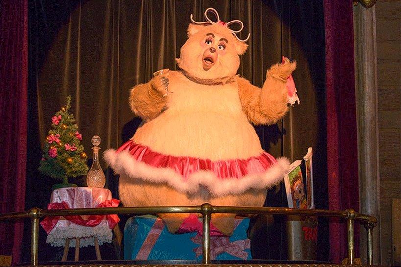 """【あなたのお気に入りはどのクマ?】みなさんは、東京ディズニーランドの「カントリーベア・シアター」をご覧になったことはありますか?今日は、この期間限定の""""ジングルベル・ジャンボ...のイメージ"""