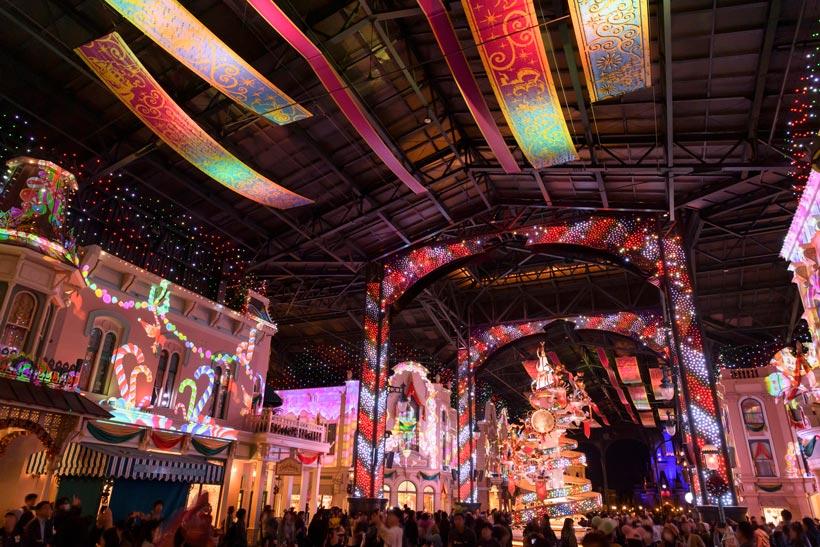 明日12月12日(水)11:55~放送の「ヒルナンデス!」(日本テレビ系)では、親子3世代での東京ディズニーランドの楽しみ方をご提案!クリスマス期間限定のワールドバザールの演...のイメージ
