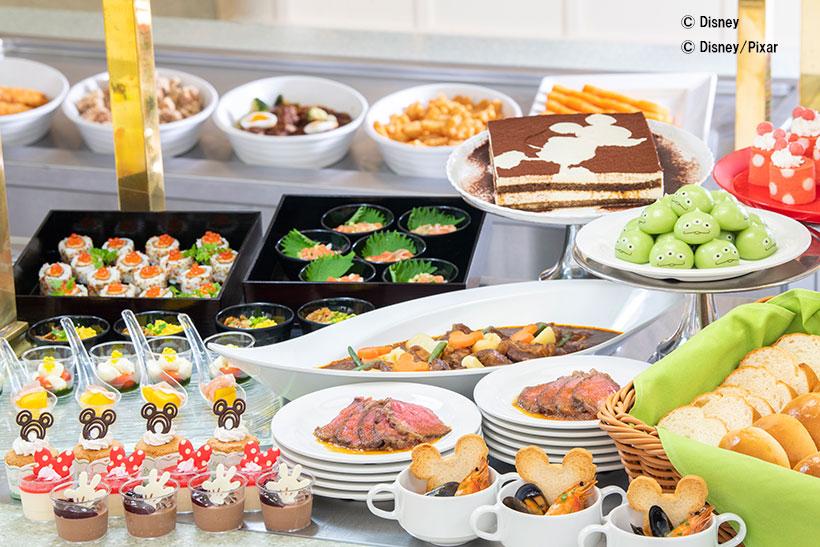 \まもなく事前受付スタート/ 9月3日から、東京ディズニーランドの「クリスタルパレス・レストラン」のメニューがリニューアルします。...のイメージ