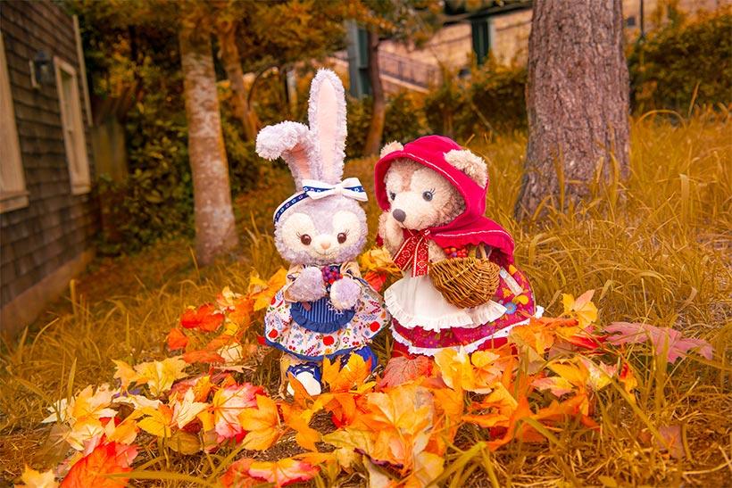 秋の森で木の実ひろい♪きれいな木の実、たくさん見つけられたね! https://t.co/IqZPxuvrvz #ダッフィーたちの秋のぼうけん...のイメージ